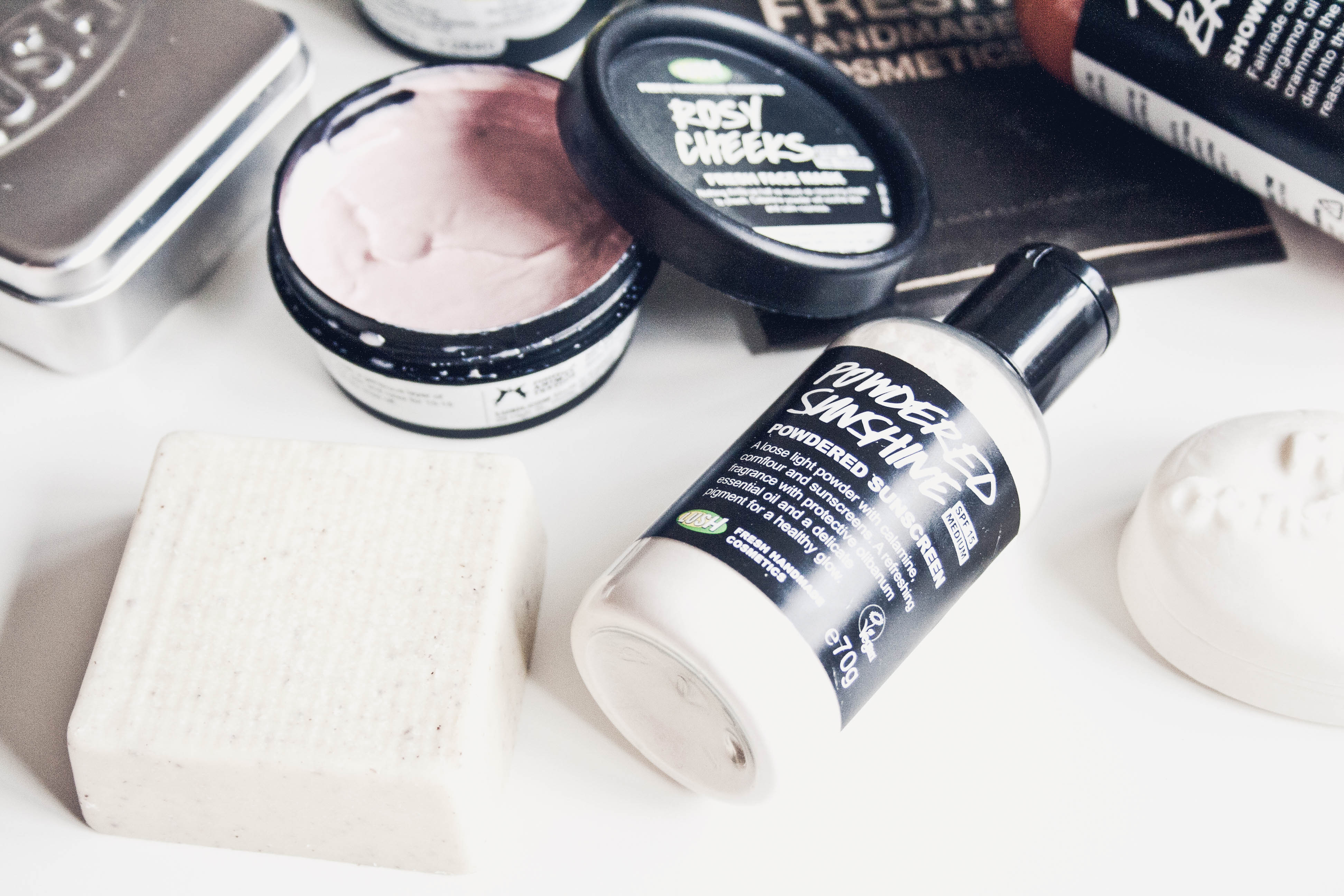 lush cosmetics review by bulgarian beauty blogger quite a looker summer products www.quitealooker.com lush bulgaria