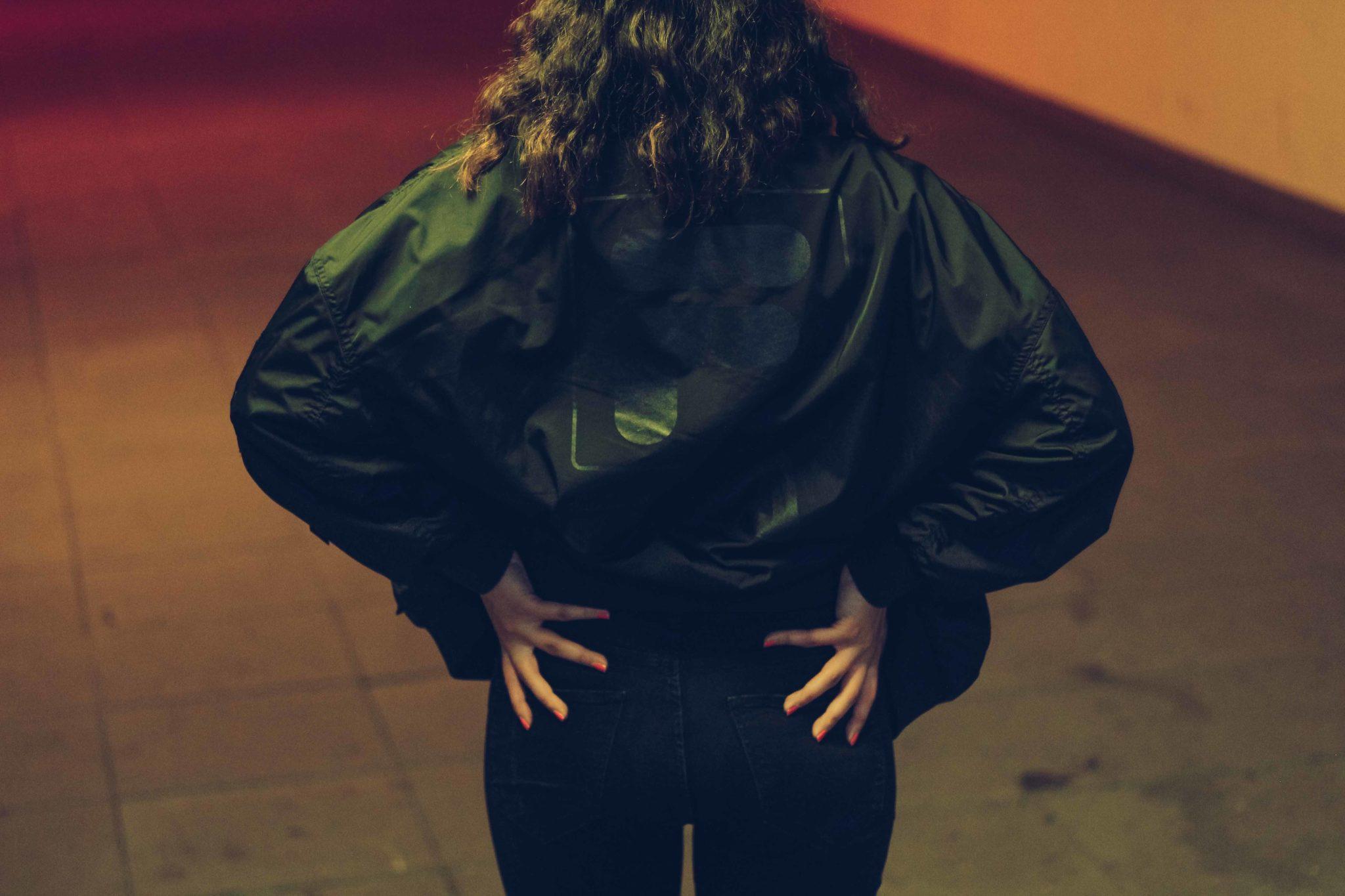 outfit post fila bomber jacket zara cropped jeans adidas gazelle bulgarian blogger bulgarian fashion blog quite a looker