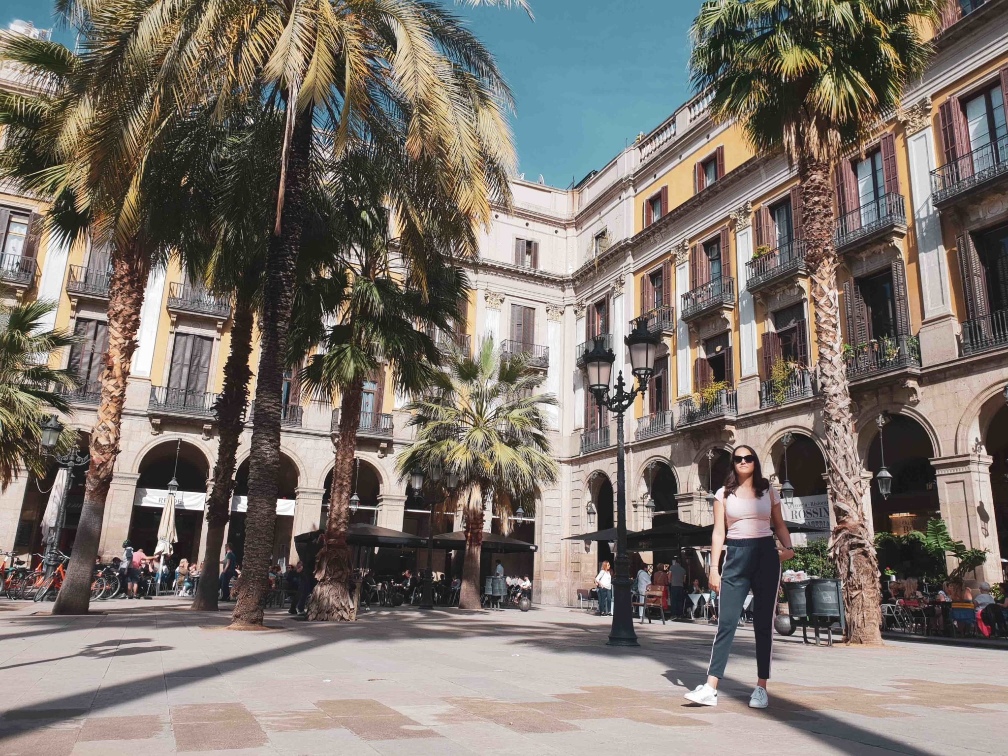 Barcelona travel guide by Michaella and Lina from Bulgarian lifestyle blog Quite a Looker / Placa Reial