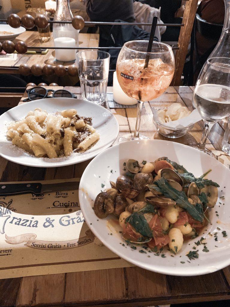 where to eat in rome on a budget bulgarian travel blogger travel guide grazia & graziella