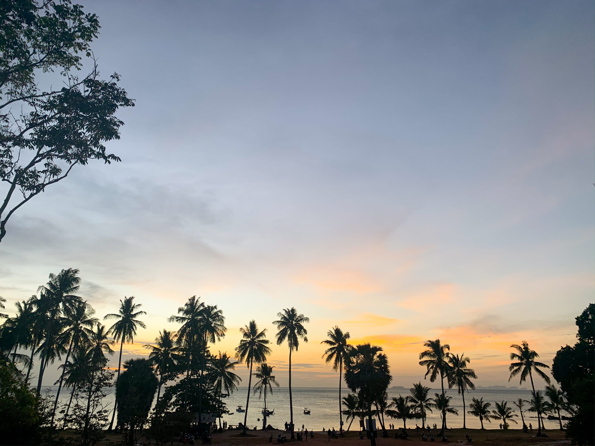 Vacation in Koh Lanta Island, Krabi, Thailand - Where to go, best beaches on Koh Lanta, best sunsets, Secret beach, Bamboo bay, Nui Bay